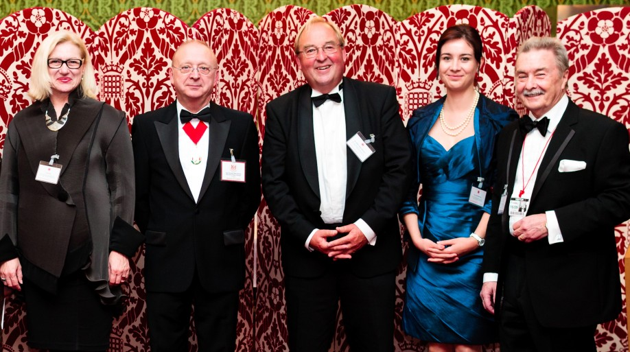 (f.l.t.r.) House of Lords' special guests: Presenter Dr. Alta Smit of Heel together with host Lord Aaron Kenneth Ward-Atherton, Guest of Honour Charles Tankward-Hahnemann, Céline Staudenmaier of Heel and Roger Wilson, Managing Director of Bio Pathica.